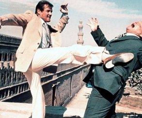 Почему Роджер Мур —самый лучший Бонд (очень трогательная история)