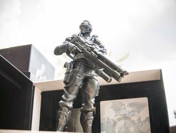 Распаковка коллекционного издания Overwatch