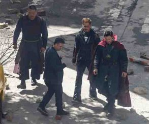 Шикарно! Новые фото Стрэнджа, Старка и Халка на съемках «Мстителей 3»