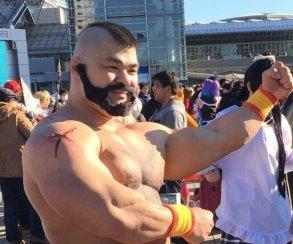Японский фанат Зангиева из Street Fighter не боится мороза