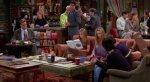 СМИ объяснили вечно свободный столик в кофейне из сериала «Друзья». - Изображение 3
