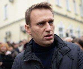 Возможно, Навальный станет стримером. Поможем ему выбрать игру?