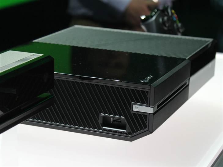 Xbox One могла лишиться привода за несколько месяцев до выхода - Изображение 1
