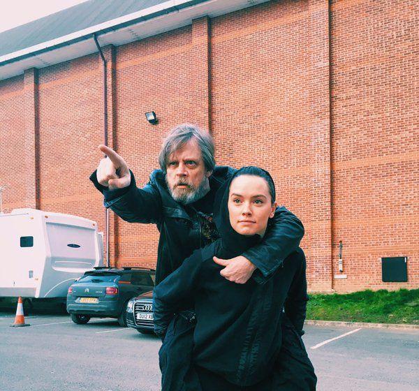 Марк Хэмилл и Дэйзи Ридли попрощались с 8-м эпизодом «Звездных войн». - Изображение 1
