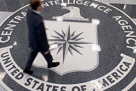 Сноуден: ЦРУ годами пытается сломать защиту Apple - Изображение 1