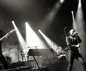 Посмотрите новое трогательное видео Linkin Park сlive-версией песни Crawling
