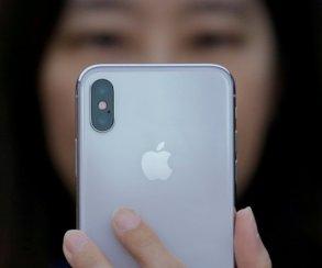 iPhone X собирают студенты из Китая