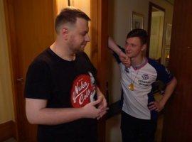 Как живут участники турнира ESL One Hamburg 2018. Экскурсия с Resolut1on по отелю дотеров