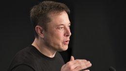 Илон Маск хочет встроить в машины Tesla видеоигры и уже начал поиски разработчиков для этого!