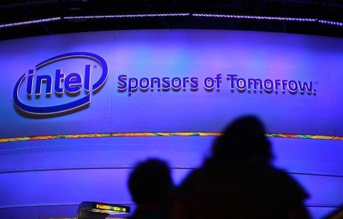 Прибыль Intel снизилась из-за падения спроса на ПК