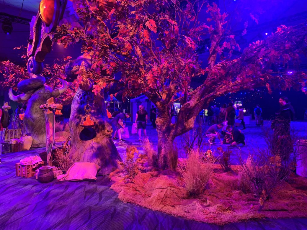 На BlizzCon в этом году развернулась настоящая Ярмарка Новолуния из World of Warcraft | Канобу - Изображение 2291